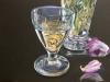 Glas und Rosenvase